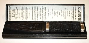 Sgian Dubh in 5300 Year Old Fenland Bog Oak with Damascus Blade and Iona Marble Pommel Stone