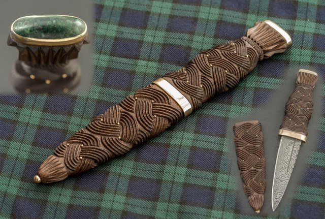 Sgian Dubh in Bog Oak with Gold fittings and Caithness Greenstone Pommel